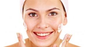 aplicar-crema-facial